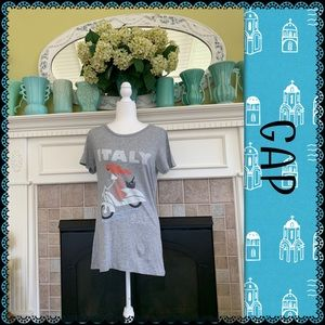 GAP graphic tee, size M